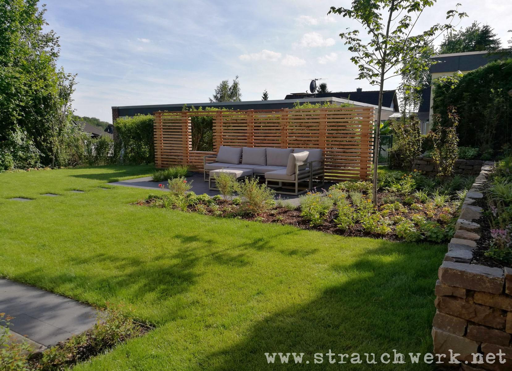 Garten mit holzwand leverkusen - Holzwand garten ...